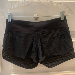 Speed short size 4 like new